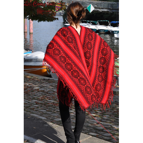 Poncho en laine d'apalga